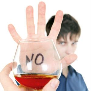 Lo que causa el consumo de alcohol en los jóvenes. Por: Macel Hughes. 4to grado